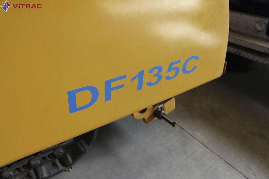 MÁY TRẢI NHỰA DEMAG DF135C